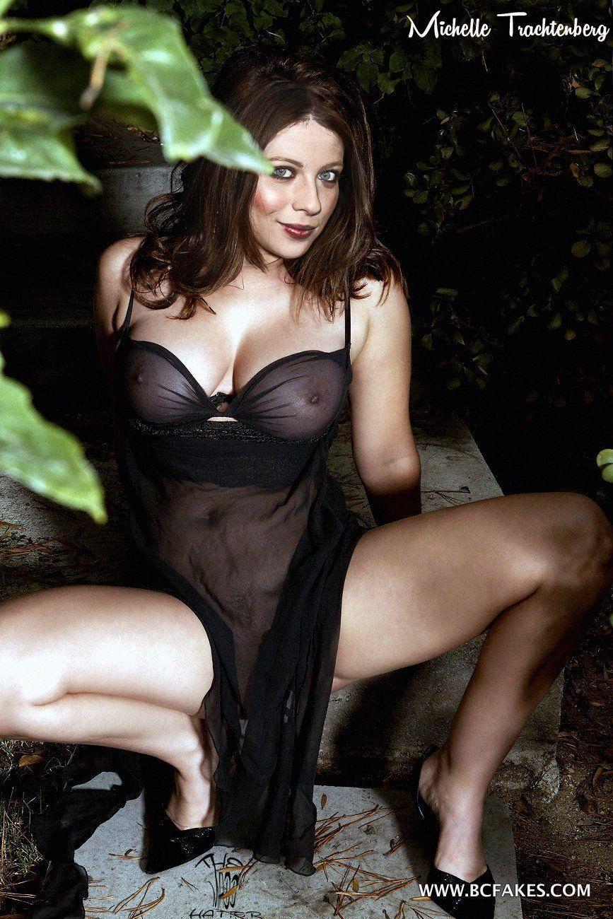 naked hot female bodybuilder